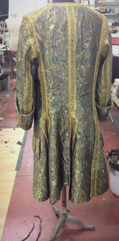 Louis XIV golden and blue embroidery justaucorps back