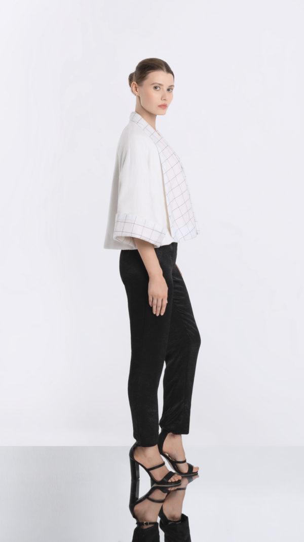 Japonaiserie White Kimono Jack Side